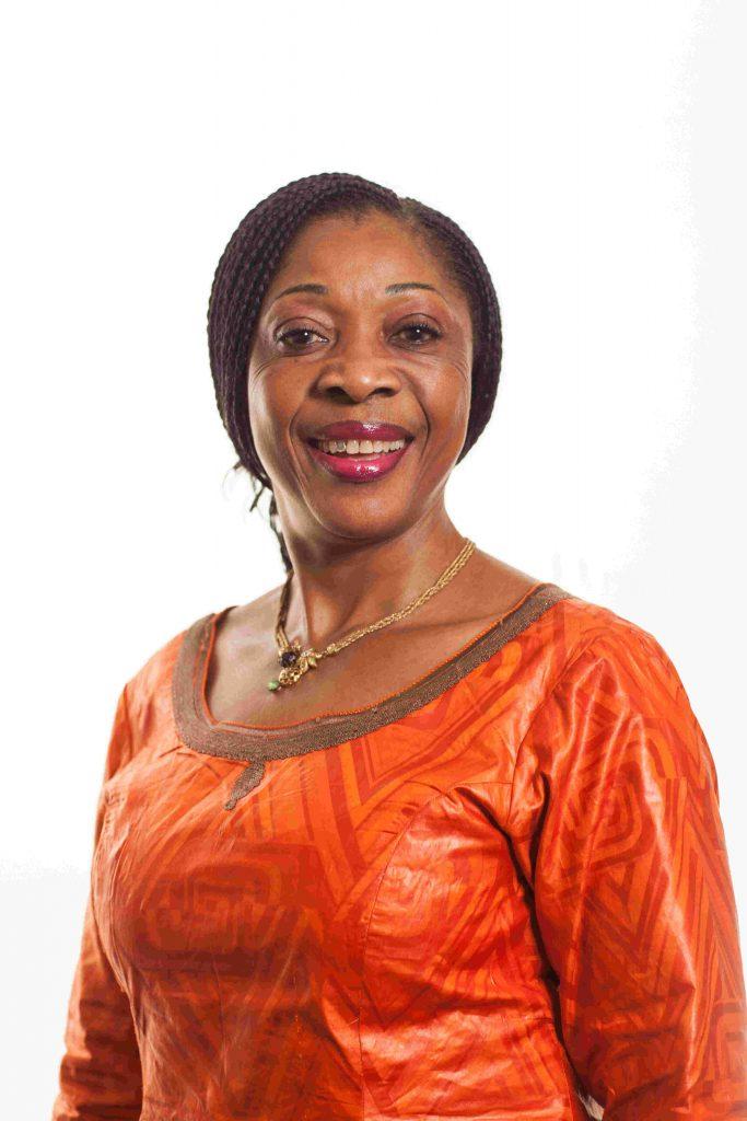 portrait de Rose Fotso gerante des centres du Vernet au Cameroun
